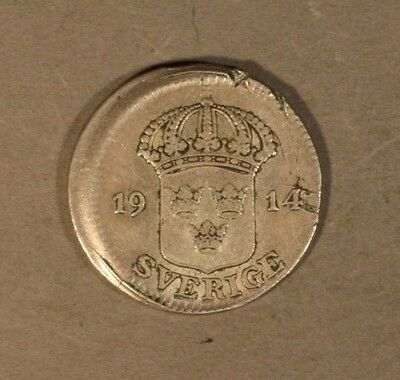 1914 Sweden 25 Ore Silver High Grade Off Center Cupped  ** FREE U.S. SHIPPING **