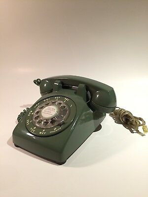 vintage 60's 70' ITTI rotary telephone avocado colour nice condition!