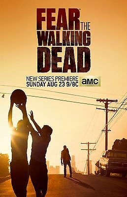 Fear The Walking Dead poster (a) : 11 x 17 inches