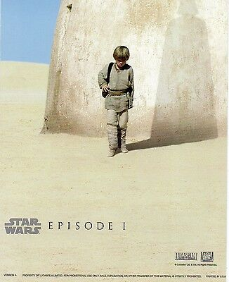 Star Wars - Episode One  *** Postcard - In The Shadow Of. 106-048