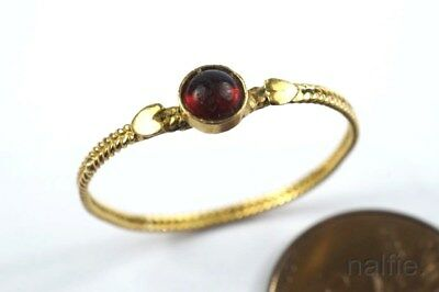 EARLY ANTIQUE 18K GOLD GARNET CABOCHON HEARTS RING c1700's