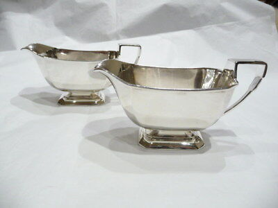 A pair of excellent Art Deco silver hallmarked sauce boats. Total weight 442g