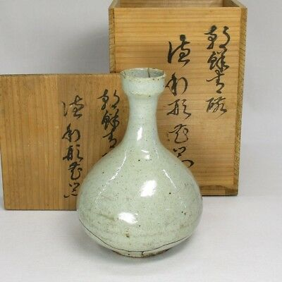 A74: REAL old Korean Joseon-Dynasty white porcelain vase of appropriate work