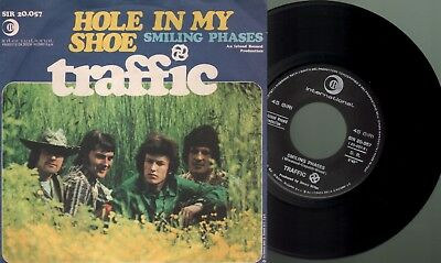 Traffic - Hole in my shoe/Smiling phases