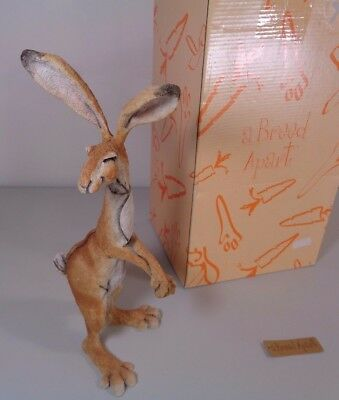 Good Condition 'A Breed Apart' Hartley Large Hare Figure 06311 In Original Box