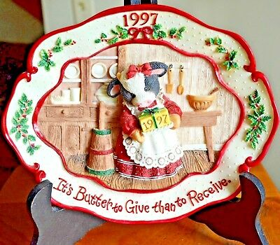 """Enesco Mary's Moo Moos """"It's Butter To Give Than To Receive"""" Plate MIB #274445"""