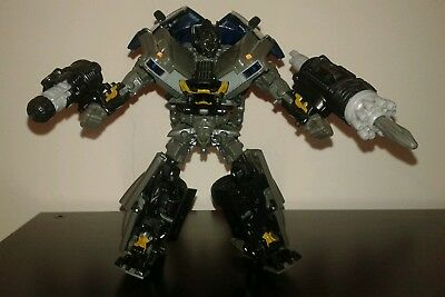 TRANSFORMERS IRONHIDE ROTF Revenge of the Fallen Voyager class completo