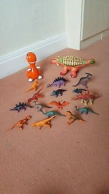 Large Bundle of Childrens Toy Dinosaurs