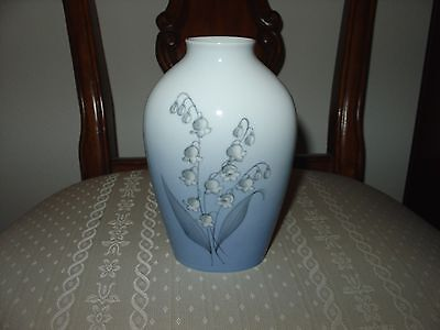 """Bing & Grondahl Large Vase   7""""  'lillys Of The Valley'"""