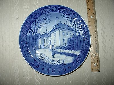 Royal Copenhagen Christmas Plate  1975