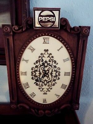 Vtg.1970's Pepsi Cola Wall Clock Battery Operated Works Great. FREESHIP