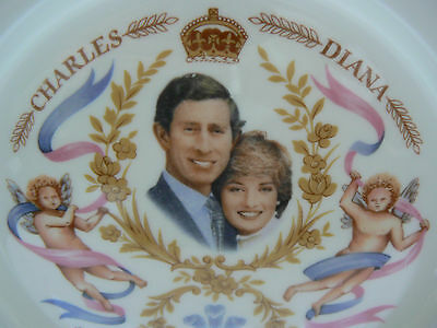 Prince Charles and Lady Diana Spencer Commemorative Plate First Child 1982