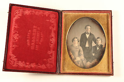 Daguerreotype Family Portrait Unique Van Loan Gallery Philadelphia US c. 1850