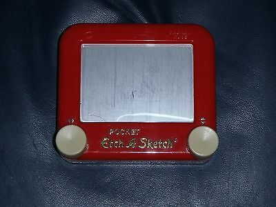 "Mattel 2005 Pocket Travel ""Etch-A-Sketch"" Drawing Game.  ** RARE **"