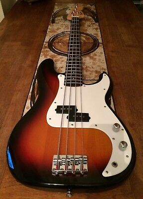 Squier by Fender P Bass, 4 String Electric Bass, Sunburst, Superb Condition