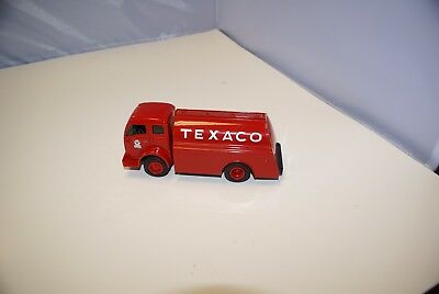 Ertl Texaco 1949 White Tilt Red Truck 1996 Die Cast, Used For Display Only