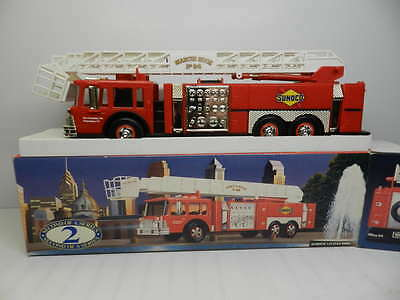 1995 Collectors Edition 1:35 Scale Sunoco Aerial Tower Fire Truck- 2nd in Series