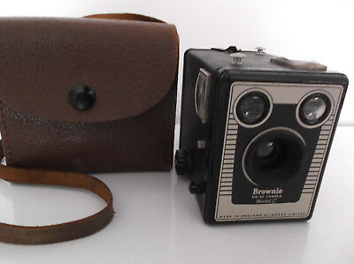 Vintage Kodak Brownie Six - 20 Model C Box Camera In Leather Case, England