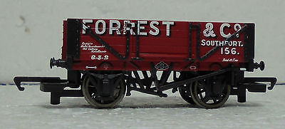 Hornby R6593 4 Plank Wagon Forrest & Co
