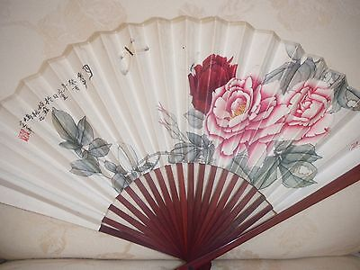 Vintage Ladies  Chinese Hand Fan Paper & Bamboo  Pretty Floral Design - Perfect