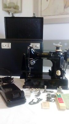 Vintage Singer Featherweight 221K1 Sewing Machine with Case and accessories