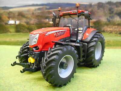 Universal Hobbies Mccormick X8.680 Vt-Drive Red 1/32 4982 Brand New