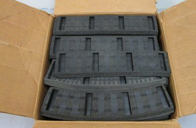 American Flyer 726 Straight & 727 Curved Rubber Roadbed Sections (60)