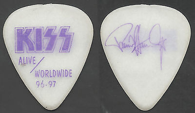 KISS-*Glow In The Dark* GUITAR PICK-1996-1997! PAUL STANLEY!