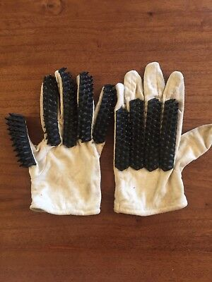 Vintage Youths Cricket Batting Gloves - Rare for the Collector 1950/60s.