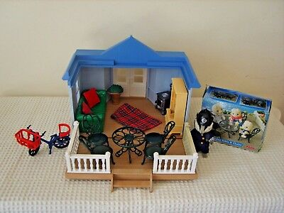 sylvanian families furnished summer house with pc bobby roberts and bike