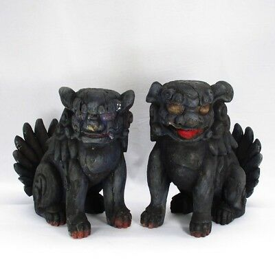 A157: Very rare. Pair of Japanese old wood carving foo dog statue for shrine