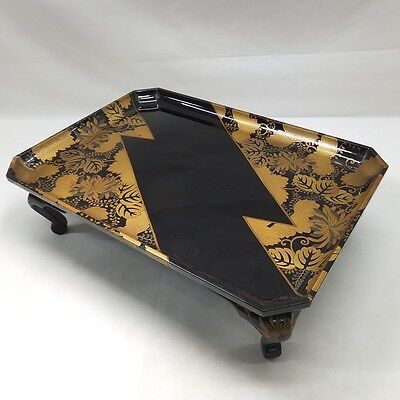 G492: Real old Japanese lacquer ware tray with leg and very good MAKIE