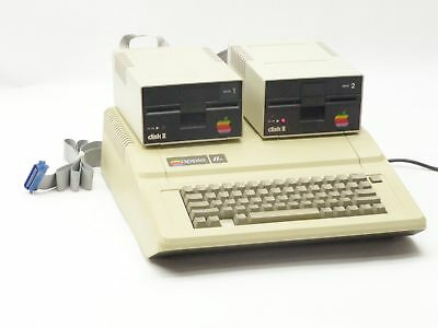 VINTAGE APPLE IIe 2E A2S2064 PERSONAL COMPUTER w/2*DISK II DISK DRIVE A2M0003