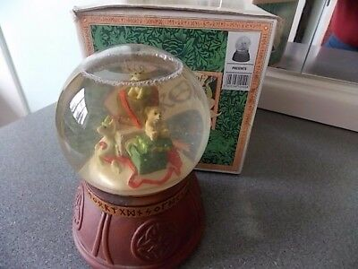Pocket Dragon ' Presents-- Musical Water Globe ' With Box