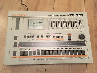 Roland TR-707 vintage drum machine (vintage retro house music classic. 808 909)