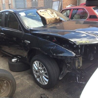 alfa 159 1.9 Deisel wrecking selling one wheel