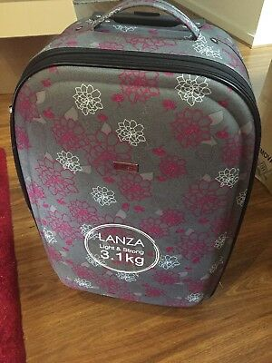 Lanza 3 piece matching Ladies luggage set - Suitcase, Roller bag & Makeup/Beauty