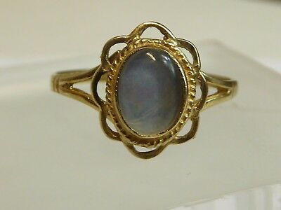 .375 9ct gold opalescent  ring size M US 6.5