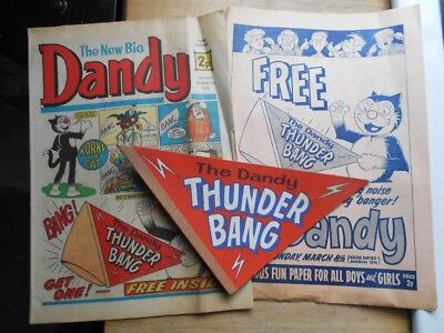 Dandy comic from 1971 with free gift Thunder Bang (& previous flyer for it)