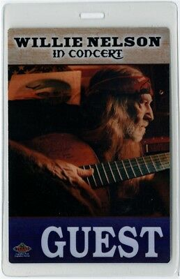 Willie Nelson authentic 2002 concert tour Laminated Backstage Pass Guest rare