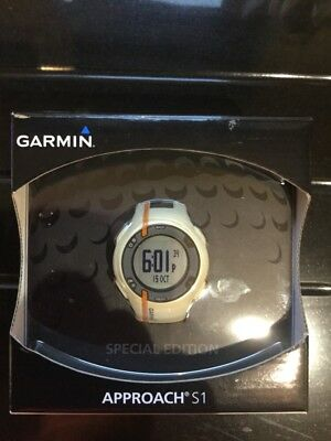 Golf GPS Watch Garmin S1 Approach With Charger, Instructions & Box