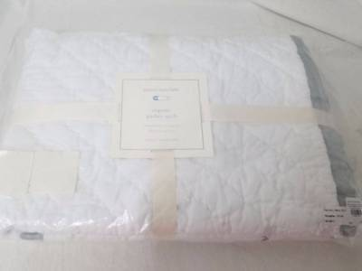 New Pottery Barn Kids Toddler Baby Newport Parker Quilt Gray/White
