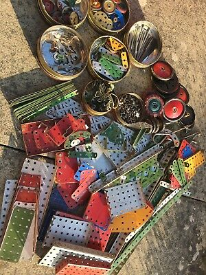 Bundle Of Vintage Meccano With Instruction Booklets