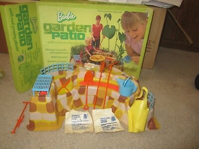 Vintage Barbie Garden Patio Play Set #4284 with box. 1972