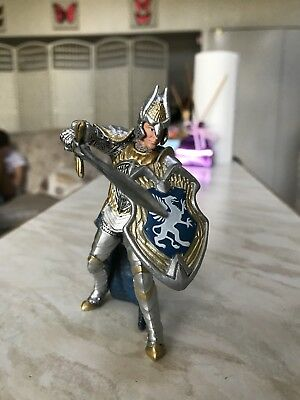 Schleich Kings Knight Blue And Gold Sword And Shield