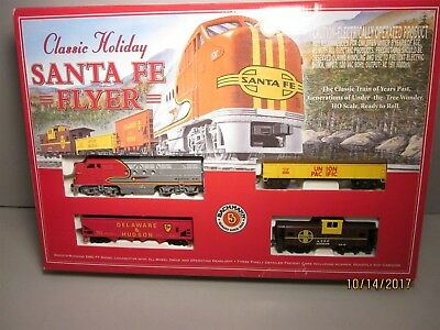 Bachman HO Scale Classic Holiday Santa Fe Flyer Diesel Train Set