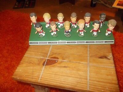 12 Original Manchester United Corinthian Figures From 1995 With Display Stand