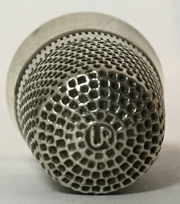 Utermeyer-Robbins & Co. - Sterling Thimble - Quaker Band & Another Narrow Band