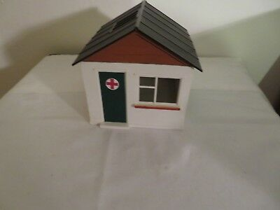 Vintage Scalextric A/211 First Aid Hut  rare