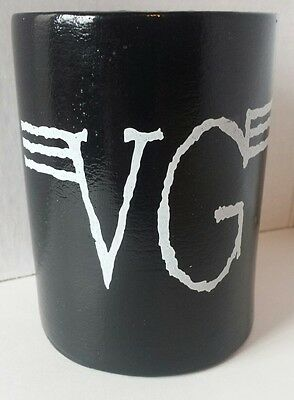VINCE GILL Black & White BEER KOOZIE HOLDER Initials SIGNATURE Country Music VG